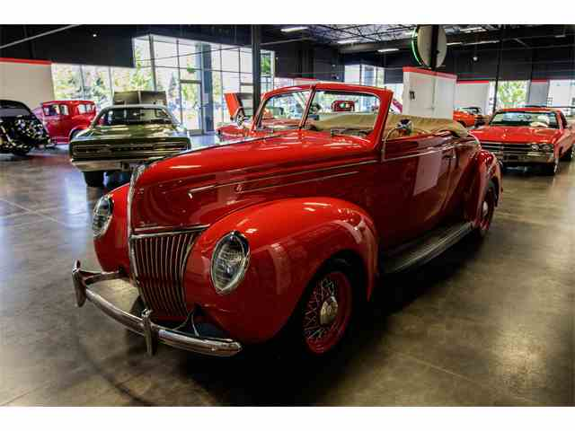 1939 Ford Deluxe | 972381
