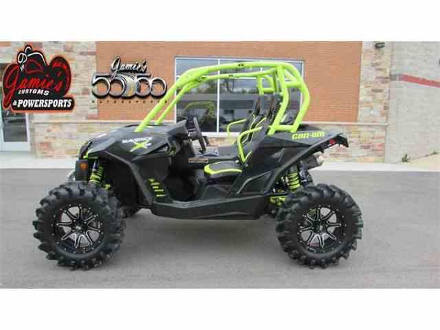 2015 Can-Am Maverick™ MAX X ds 1000R Turbo Carbon Black & Manta Green | 972386