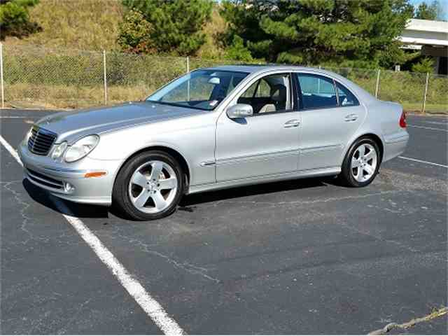 2003 Mercedes E500 | 972423