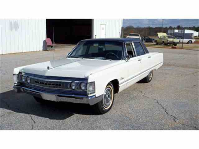 1967 Chrysler Imperial | 972440