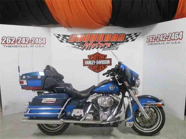 2004 Harley-Davidson® FLHTCUI - Electra Glide® Ultra Classic® | 972547