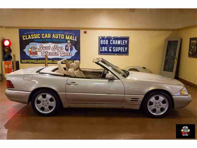 2000 Mercedes-Benz SL500 | 972640