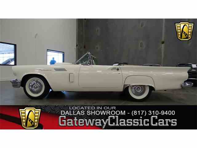 1957 Ford Thunderbird | 972732