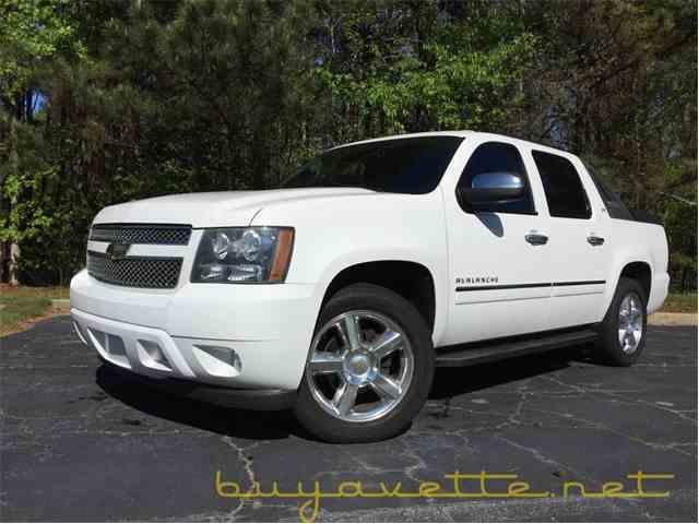 2010 Chevrolet Avalanche | 972927