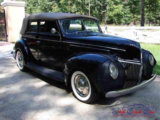 1939 Ford Sedan   973104