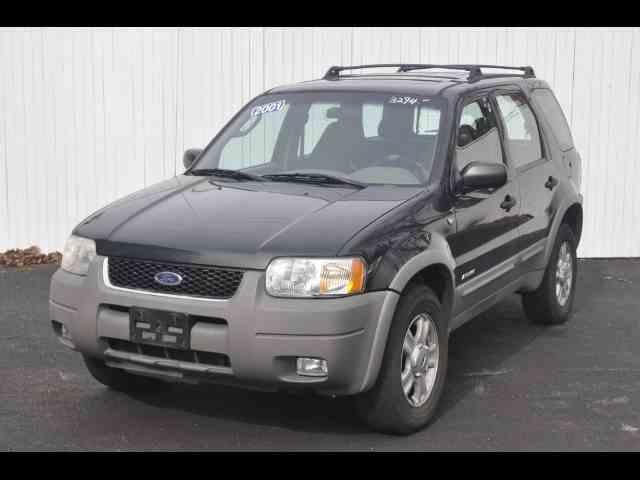 2001 Ford Escape | 973113