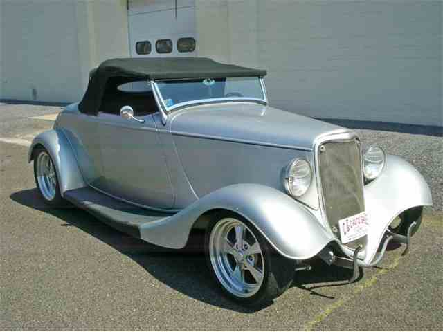 1933 Ford Roadster | 973210