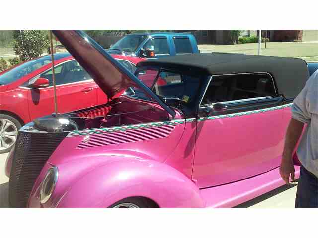 1937 Ford Cabriolet | 973485
