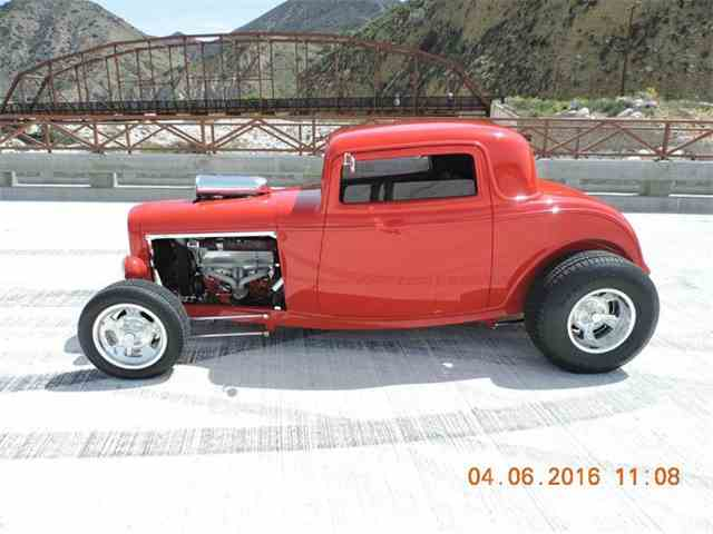 1932 Ford 3 Window | 973490