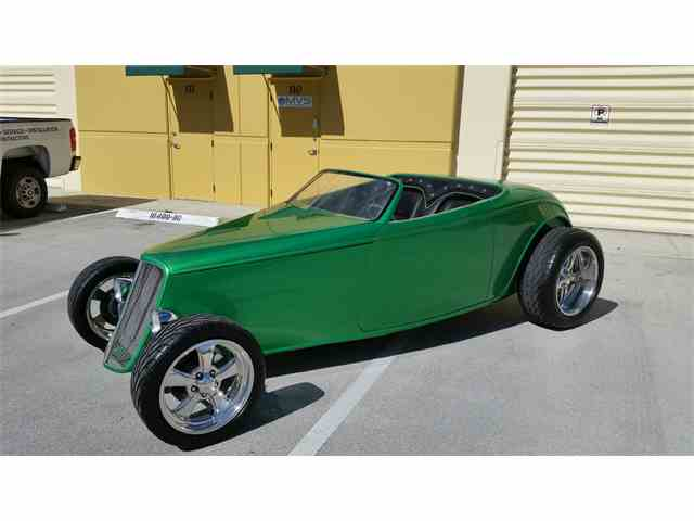 1933 Ford Roadster | 973773