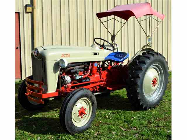 1953 Ford Tractor | 973854