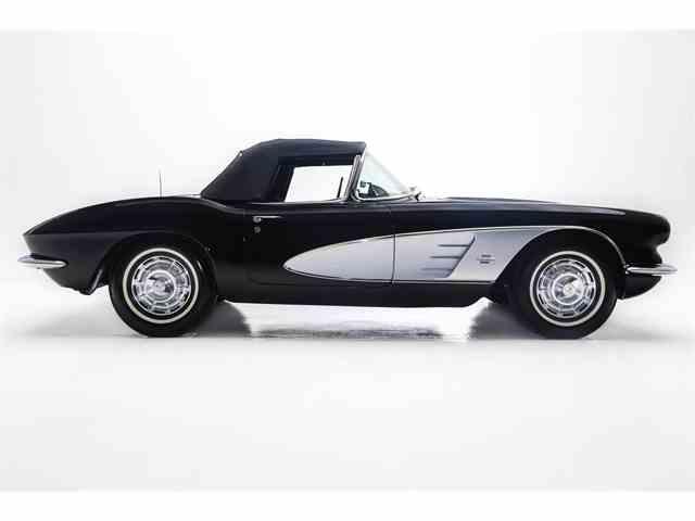 1961 Chevrolet Corvette | 974336