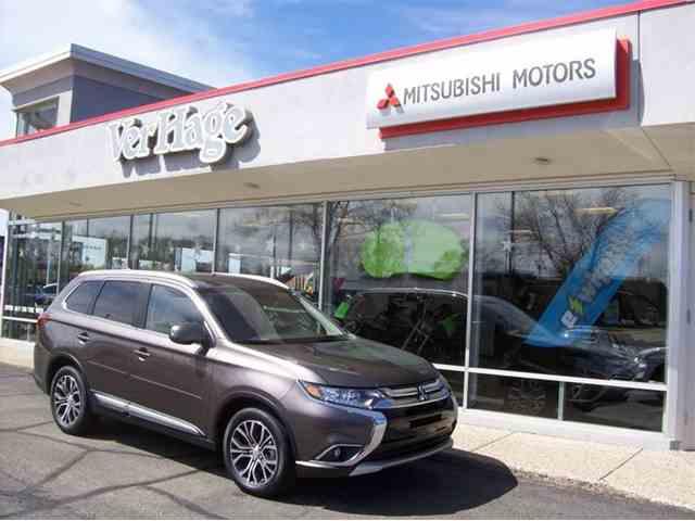 2017 Mitsubishi Outlander | 974564