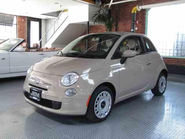 2012 Fiat 500L   974647