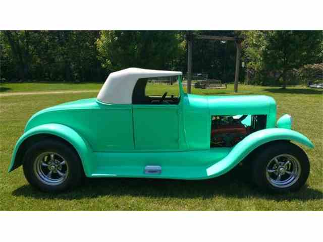 1929 Ford Roadster   974816