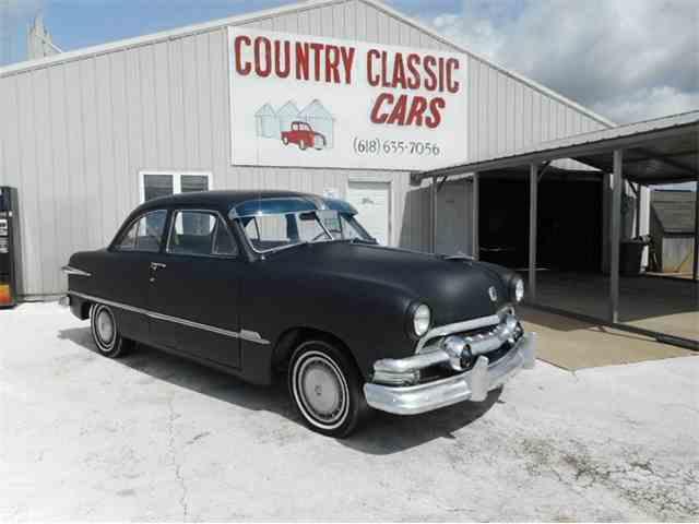 1951 Ford Sedan | 974878