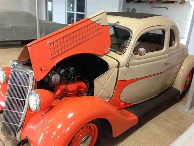 1935 Ford 5-Window Coupe   970501