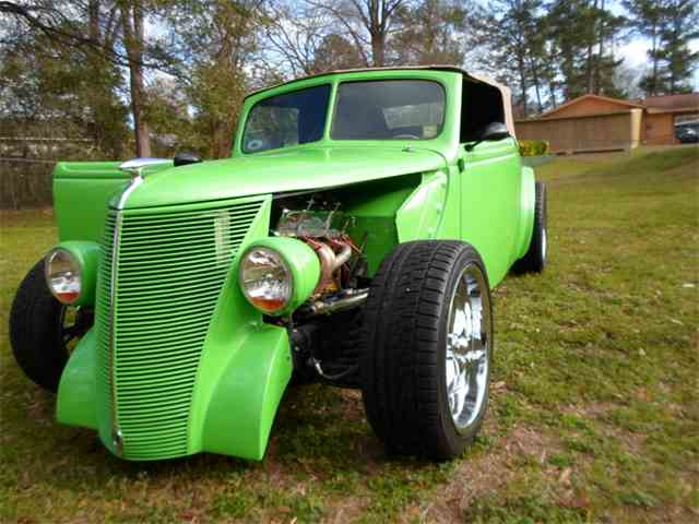 1937 Ford Convertible   975044