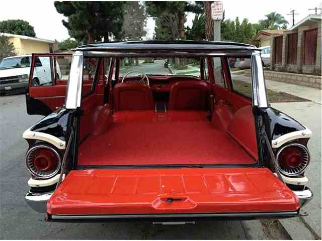1962 Ford Country Squire | 975055