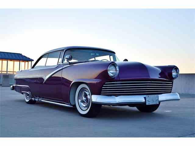 1956 Ford Fairlane | 975422