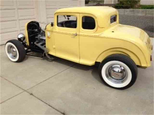 1932 Ford 5-Window Coupe | 975528