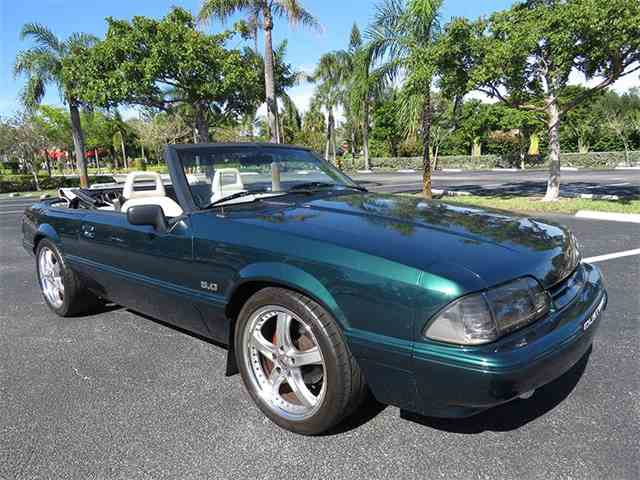 1992 Ford Mustang | 975540