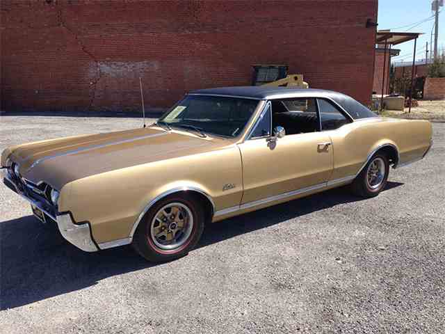 1967 Oldsmobile Cutlass Supreme | 975613