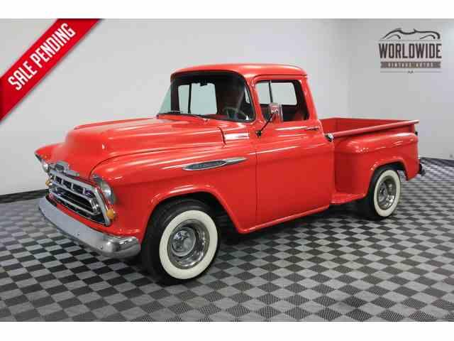 1957 Chevrolet 3200   975728