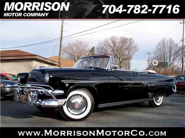 1954 Ford Crestliner | 975936