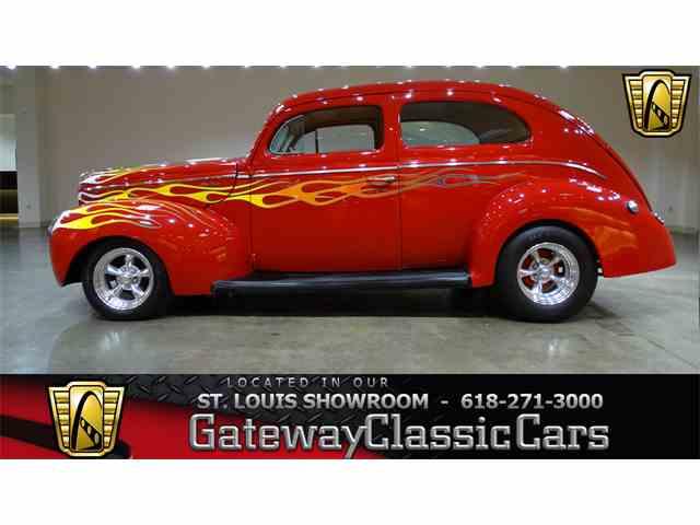 1940 Ford Sedan | 976195