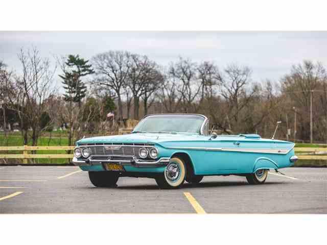 1961 Chevrolet Impala SS | 976313