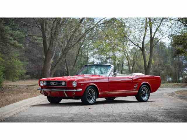 1965 Ford Mustang | 976341