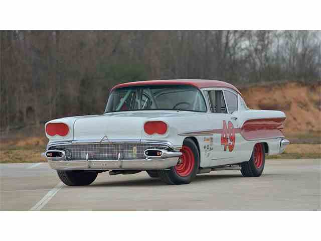 1958 Pontiac Chieftain | 976343