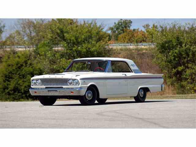 1963 Ford Fairlane 500 | 976354