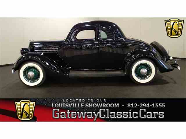 1935 Ford 5-Window Coupe | 976386