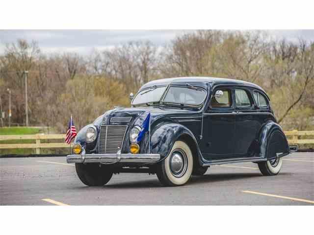 1937 Chrysler Airflow | 976504