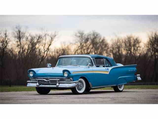 1957 Ford Fairlane | 976512