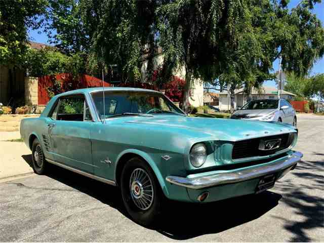 1965 Ford Mustang | 976780