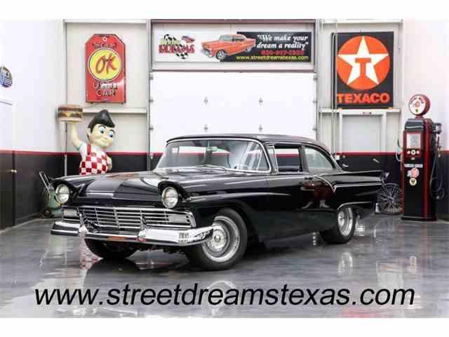 1957 Ford Fairlane | 976855