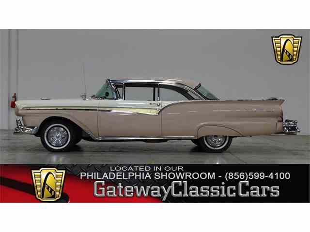1957 Ford Fairlane | 976857
