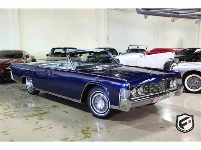 1965 Lincoln Continental Convertible | 977115
