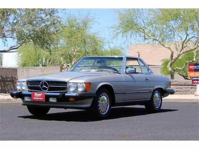 1988 Mercedes-Benz 560 | 977155