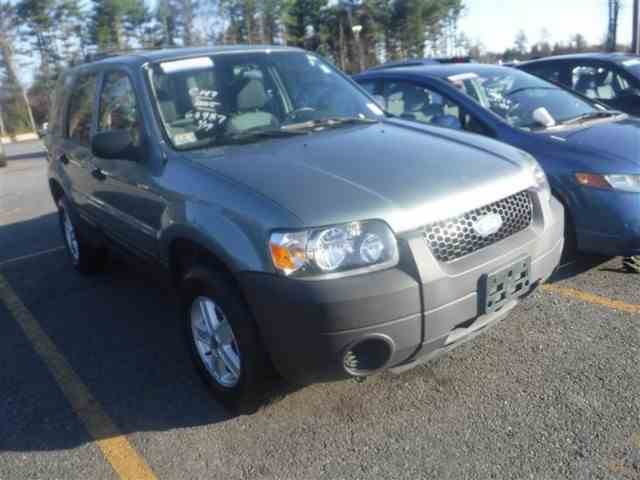 2005 Ford Escape | 977173