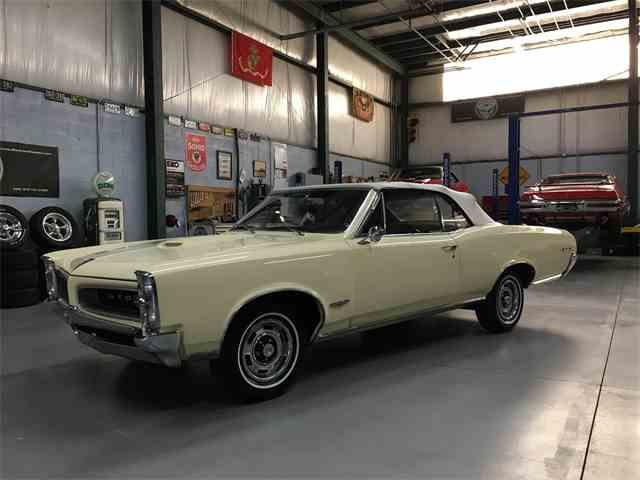 1966 Pontiac GTO | 977263