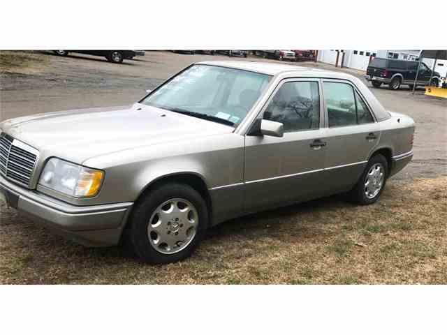 1995 Mercedes-Benz E320 | 970728