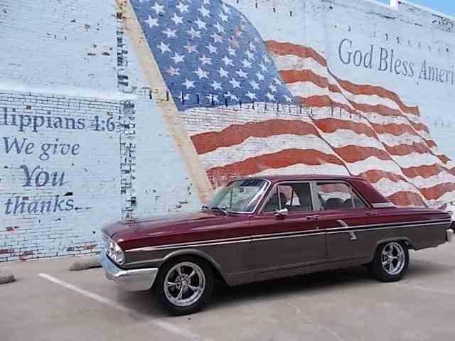 1964 Ford Fairlane 500 | 977292