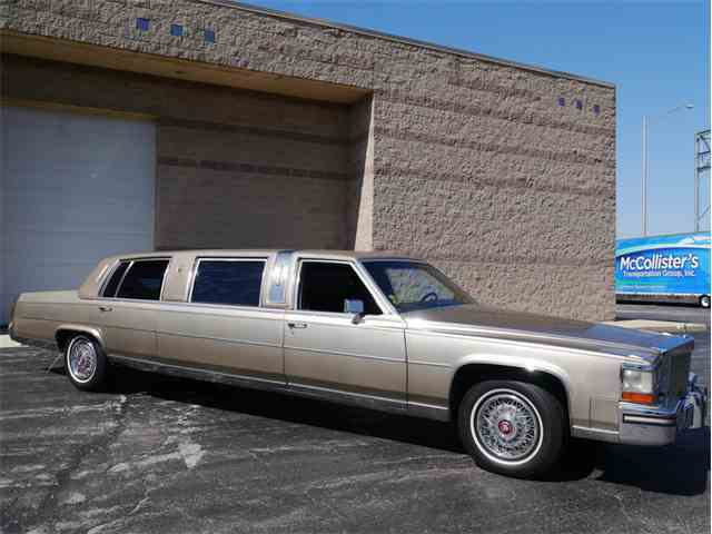 1986 Cadillac Fleetwood Limousine | 977314
