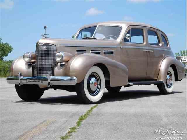 1938 Cadillac Series 65 | 977337