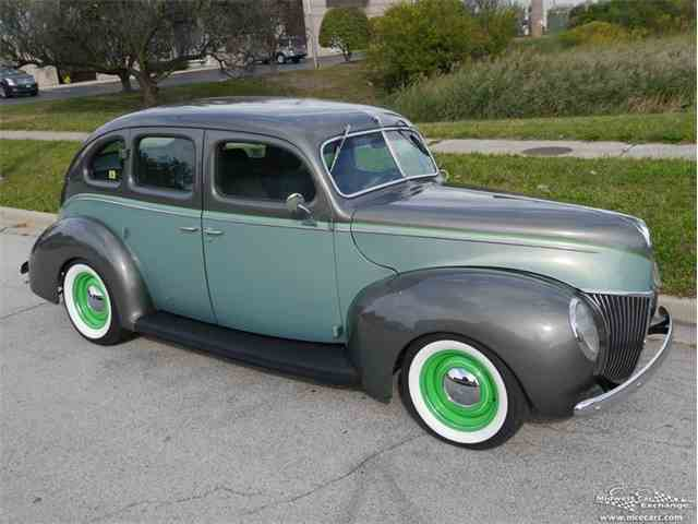 1939 Ford Deluxe | 977348