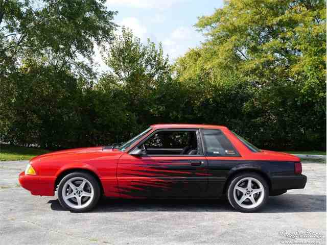 1990 Ford Mustang | 977376